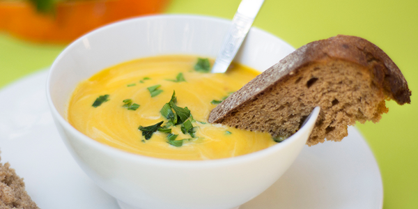 Pikantna bučna kremna juha