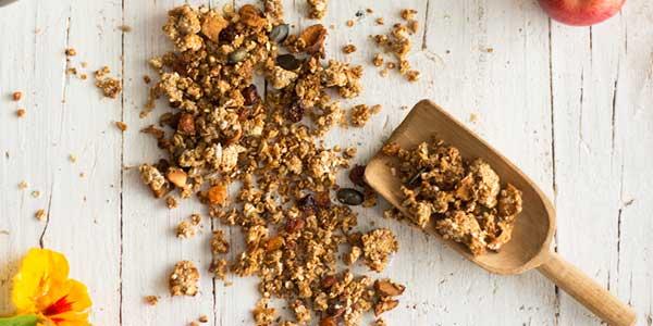 Domača granola brez maščob in sladkorja